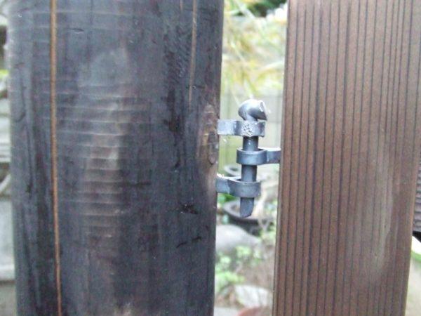手入れと木戸の取り替え